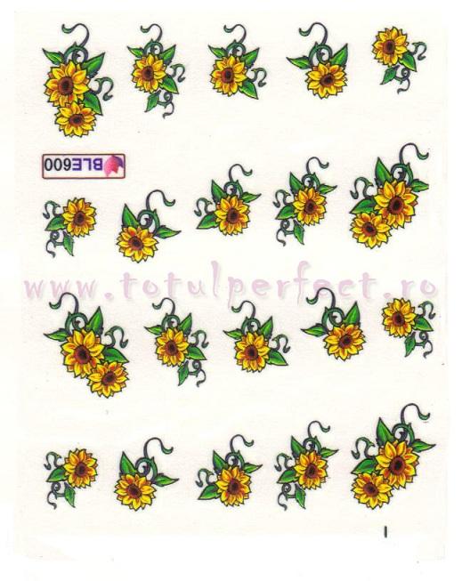 Tatuaj de unghii cu apa floarea soarelui